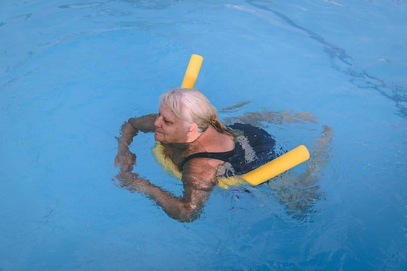 Adult learning to swim in Etobicoke